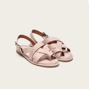 Frye | NWT Tait Softy Criss Cross Sandals Lilac